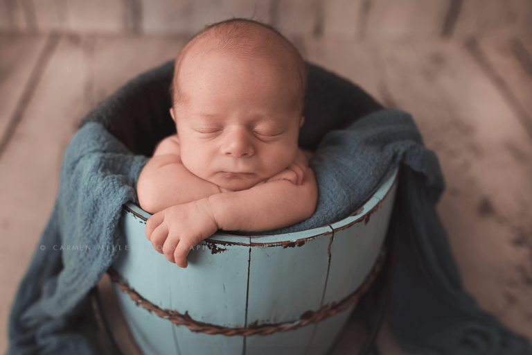 seattle newborn photographer boy session